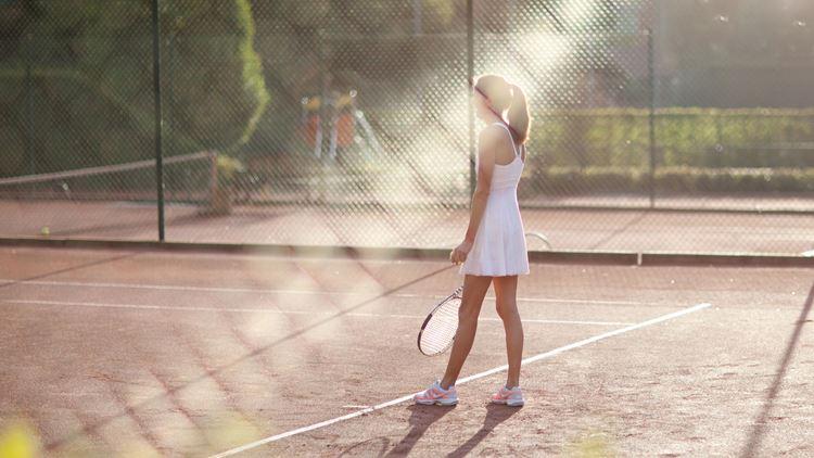 Tennnis, Tennistraining und freies Spiel bei Aspria in Hamburg, Brüssel und Mailand