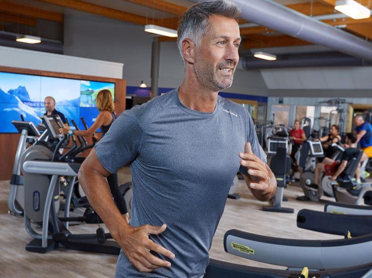 Cardio-Fitness-Training auf dem Laufband bei Aspria in Hamburg
