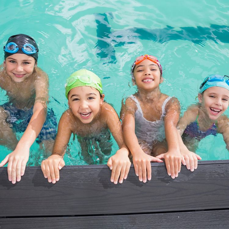 Family-Friendly times in the pool at Aspria Arts-Loi