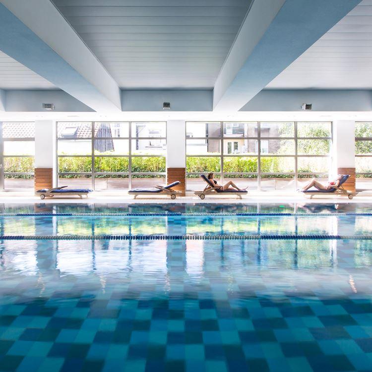 La piscine de l'Aspria Arts-Loi, Bruxelles