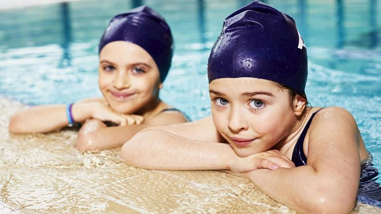 Sport- und Schwimmkurse für Kinder von 9-11 Jahre