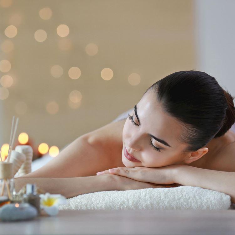 Massages, soins spa et relaxation à l'Aspria Arts-Loi